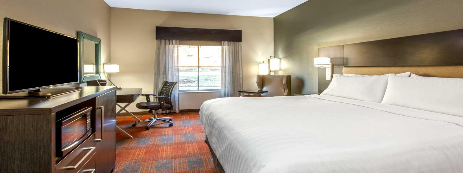 Holiday Inn Express & Suites Kansas City West Shawnee Kansas KS ...